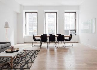 Nowoczesne lampy podłogowe – doskonałe dodatkowe źródło światła